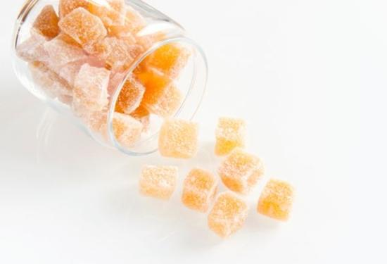 Gengibre cristalizado saudável, prático e muito saboroso